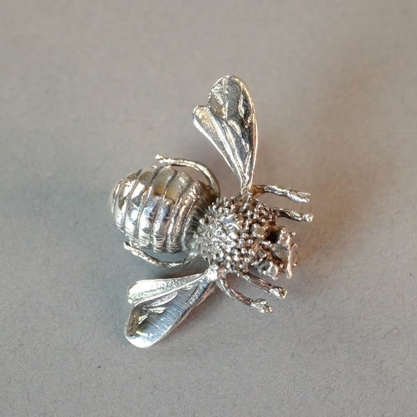 Sterling Silver Bee Design Brooch.