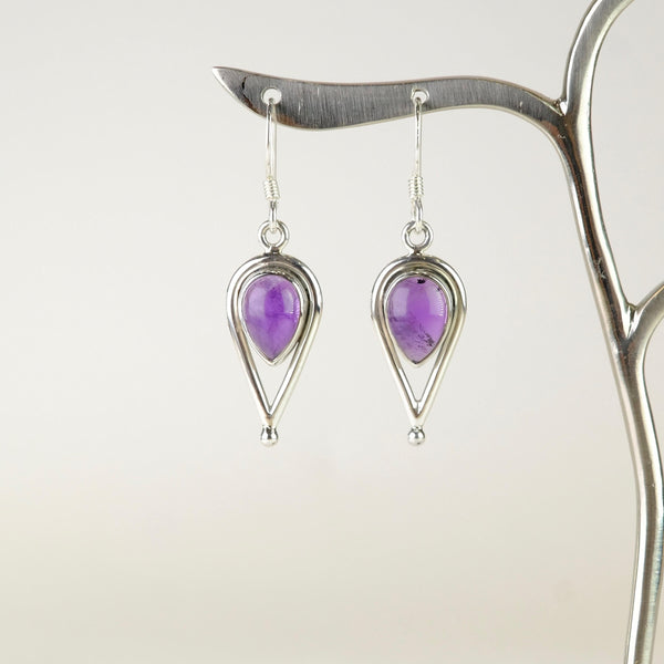 Silver and Amethyst Earrings.