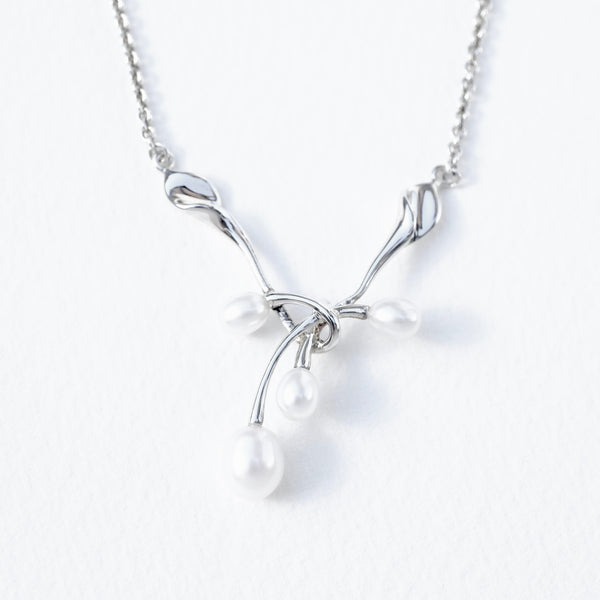 Silver Necklace with Pearl Drops.