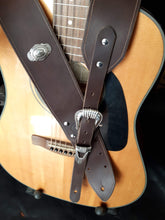 Load image into Gallery viewer, Classic Leather Guitar Strap
