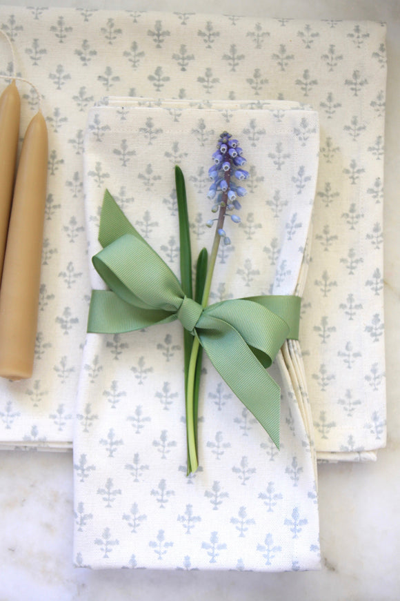 Light Blue Fleur Dinner Napkins & Tea Towels