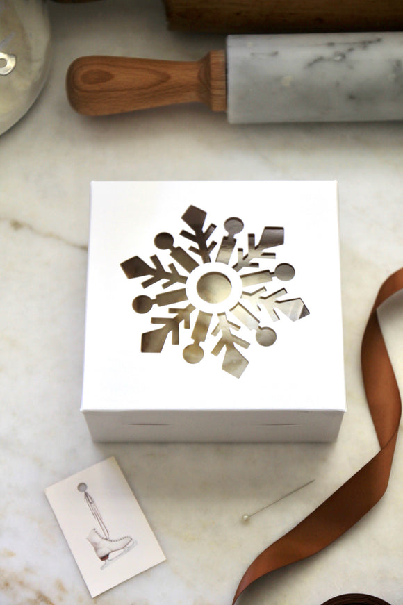 White Snowflake Boxes | set of 5