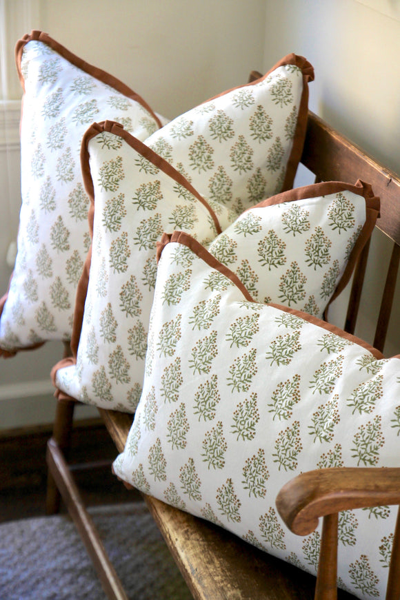 Bittersweet Pillows with Pumpkin Linen Flange