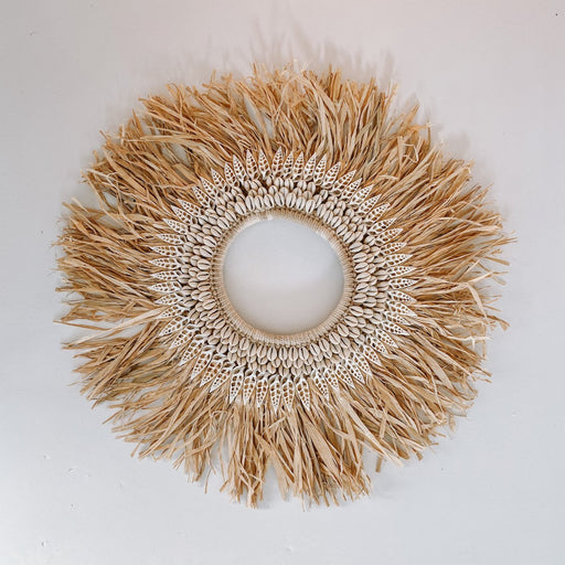 Raffia Shell Wall Decor