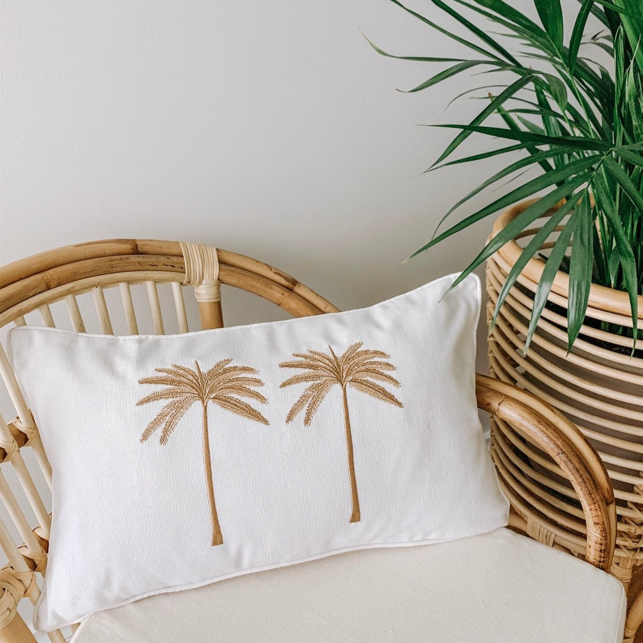 Double Palm Cushion