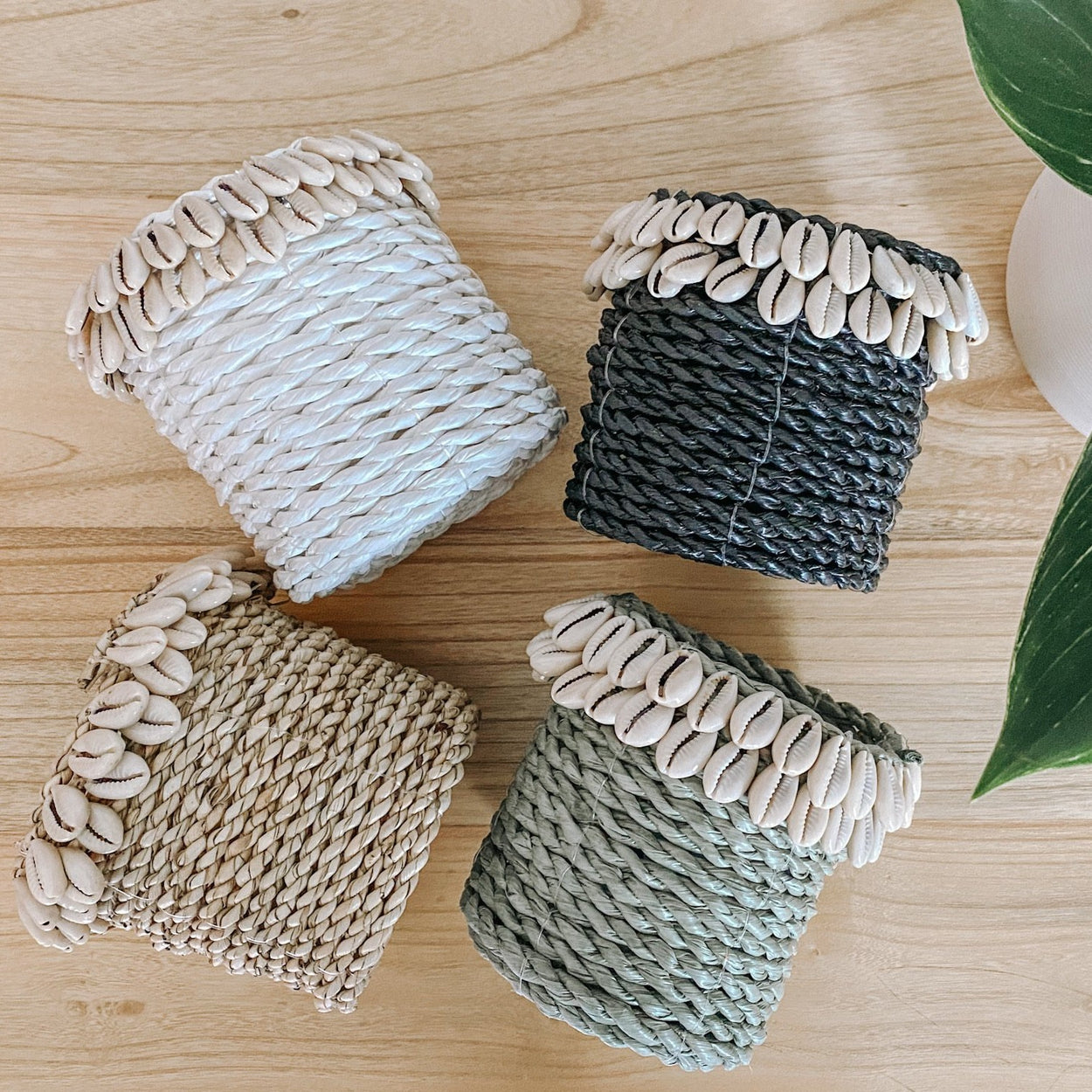 Mini Cowrie Shell Seagrass Basket