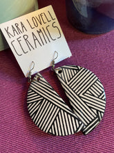 Load image into Gallery viewer, Black and white pattern earrings