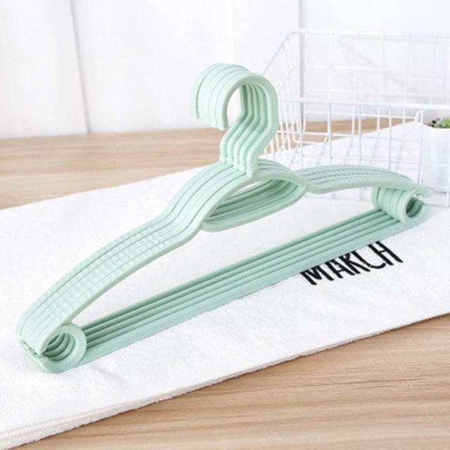 Colorful Plastic Hangers For Clothes Pegs Wire Antiskid Drying Clothes