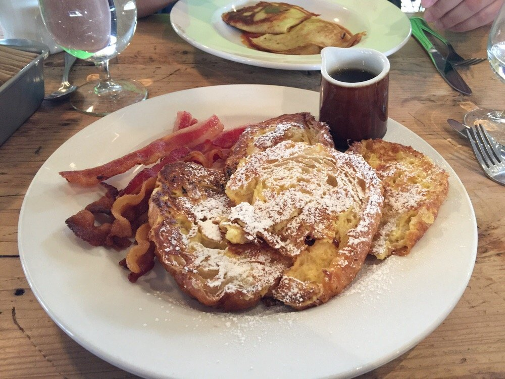 Marche croissant french toast