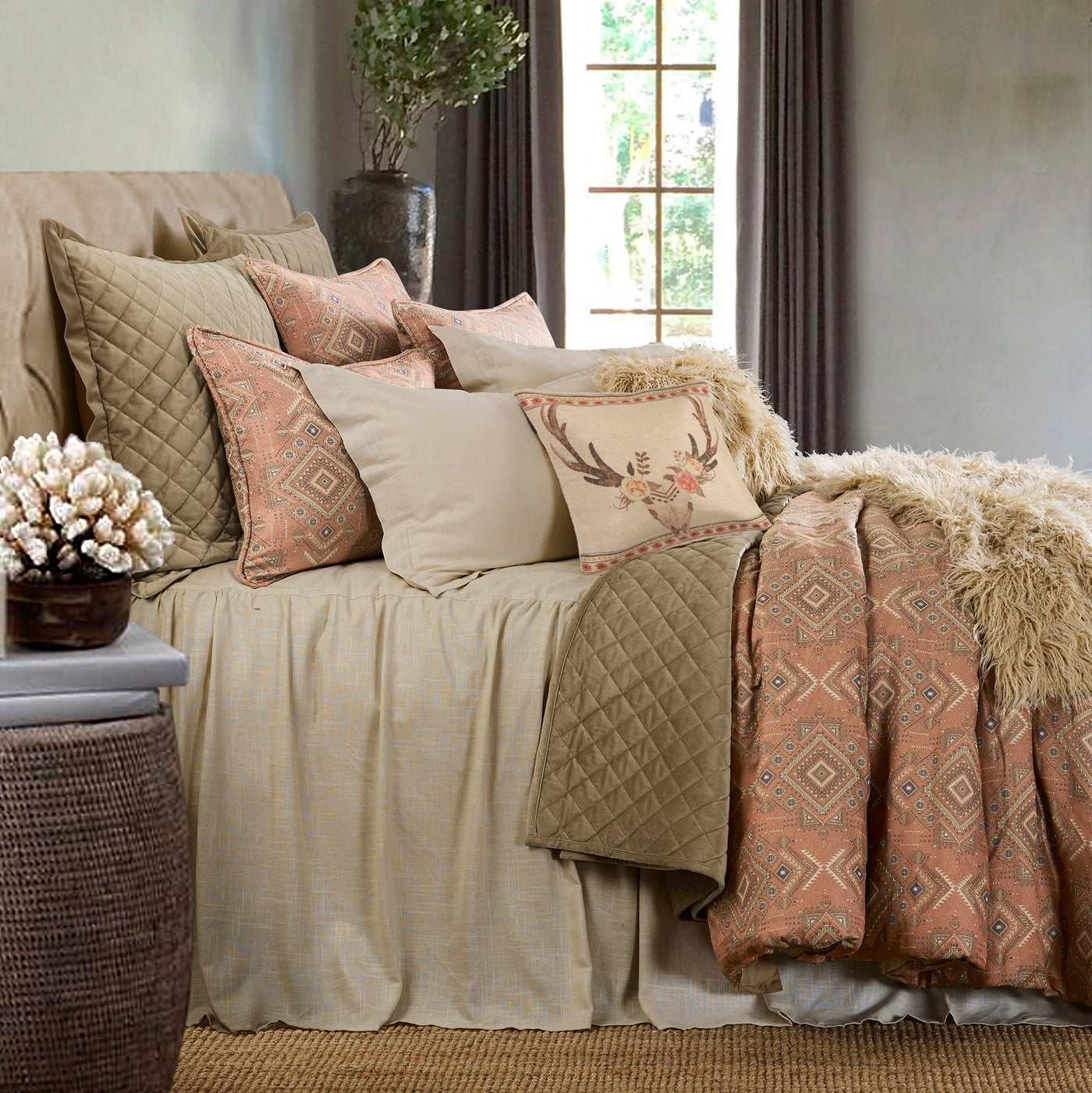 Quilt Sets & Coverlets-HiEnd Accents