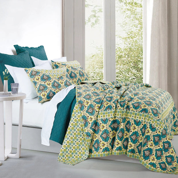 Salado 3 PC Reversible Quilt Set