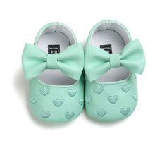 Load image into Gallery viewer, Spring Soft Bottom Bow knot Autumn Babies  Baby 3-colors Heart Pattern Shoes Newborn Handmade PU leather shoes