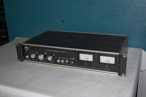 dbx 162 Stereo Compressor/Limiter. Used pro audio equipment for sale: amps, consoles, mics, analog & digital audio, EFX, line array, used speakers,networking.