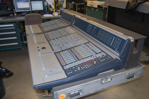 avid venue d show console mixing system includes tour case for surfac clair used gear. Black Bedroom Furniture Sets. Home Design Ideas