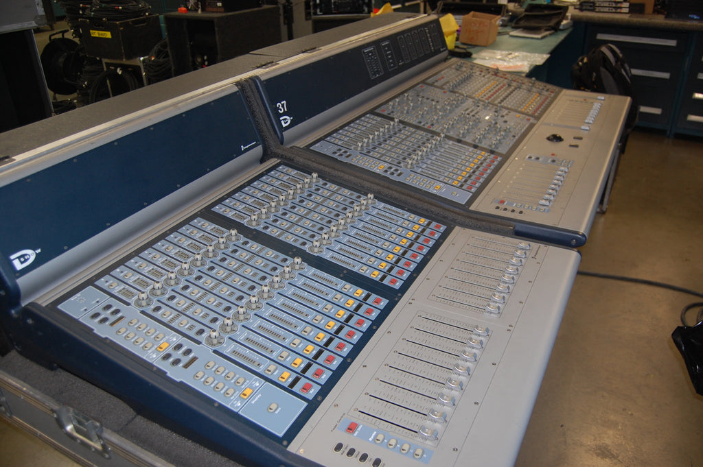 Digidesign (AVID) Venue D-Show Console Mixing System, Includes Tour Case for Surface only