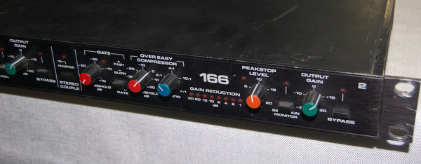 dbx 166 Over Easy Compressor with Gate and Peakstop