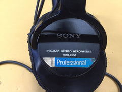 Sony MDR-7506 Dynamic Stereo Headphones, Slice on One Earpad