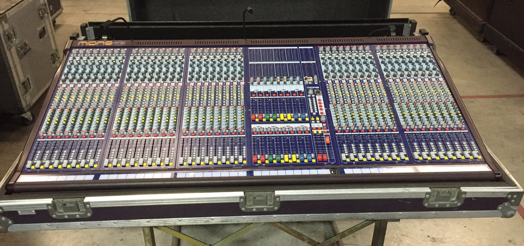 Midas Siena 400 Mixing Console, 40 Channel, with Touring Case