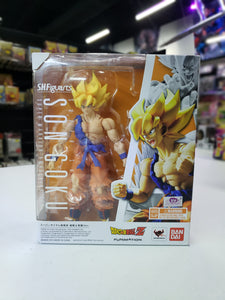 S.H. Figuarts Dragon Ball Z Super Saiyan Goku Super Warrior Awakening