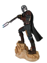 Load image into Gallery viewer, STAR WARS PREMIER COLLECTION THE MANDALORIAN MK1 STATUE