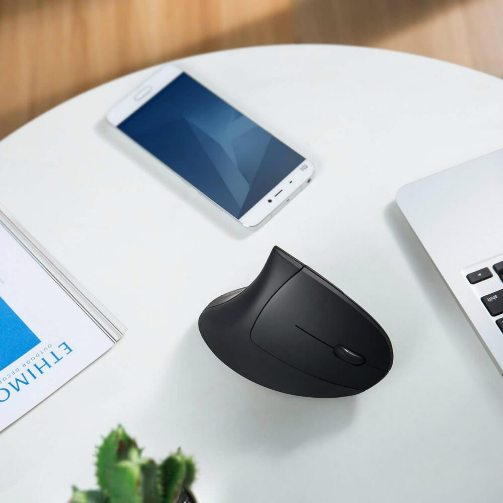 Wireless Right-Handed Vertical Ergonomic Mouse