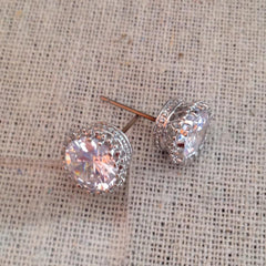 Exquisite Studs - Crystal/Silvertone