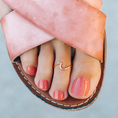 Wave Toe Ring by Pura Vida - Gold