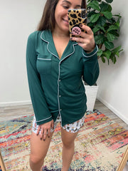 Classic Long Sleeve Button Up Sleep Shirt in Green