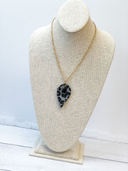 Long Leopard Pendant Necklace with Stone - Gray