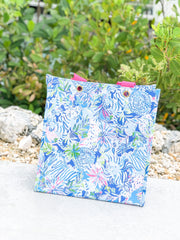Market Shopper Tote by Lilly Pulitzer - Lion Around