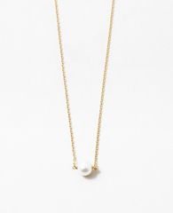Tammy Gold Pearl Necklace