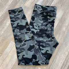 Printed Leggings by Simply Southern - Gray Camo