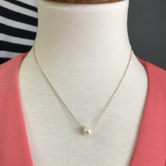 Chelsea Single Pearl Necklace