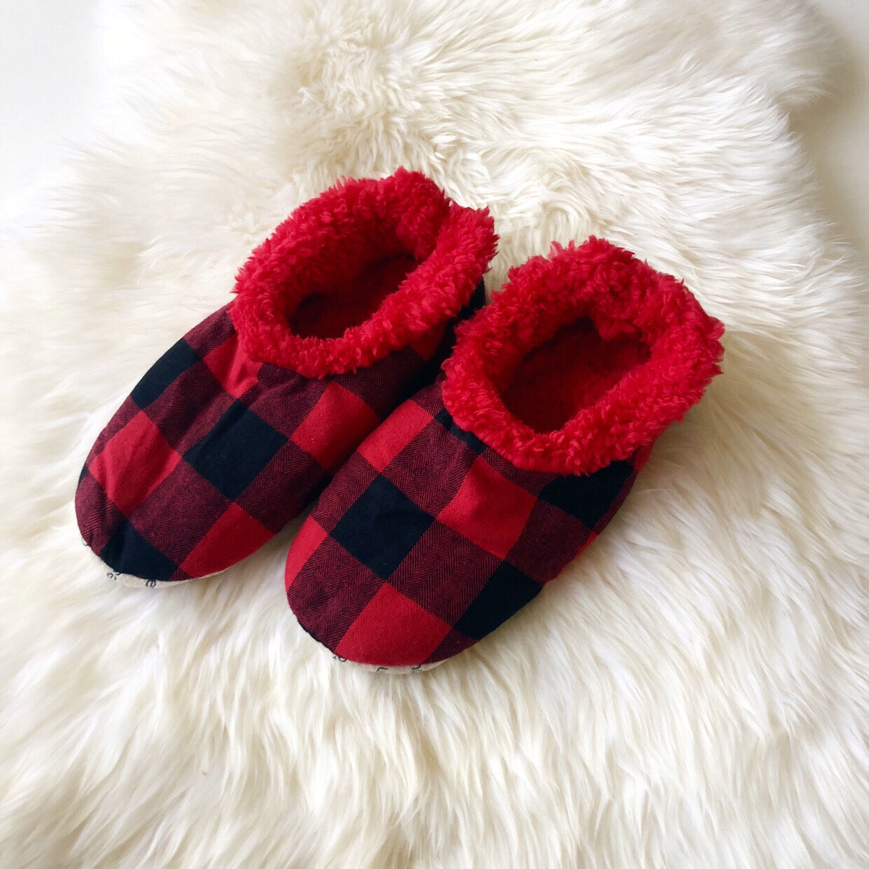 0b3bdf8c10e Mens Buffalo Check Snoozies! Slippers - Red – Prep Obsessed