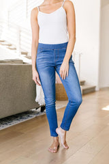 Jessie Jeggings - Mid Wash (Ships in 1-2 Weeks)