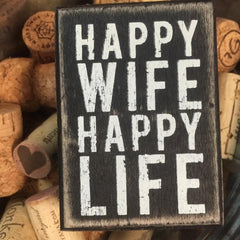 'Happy Wife' Box Sign