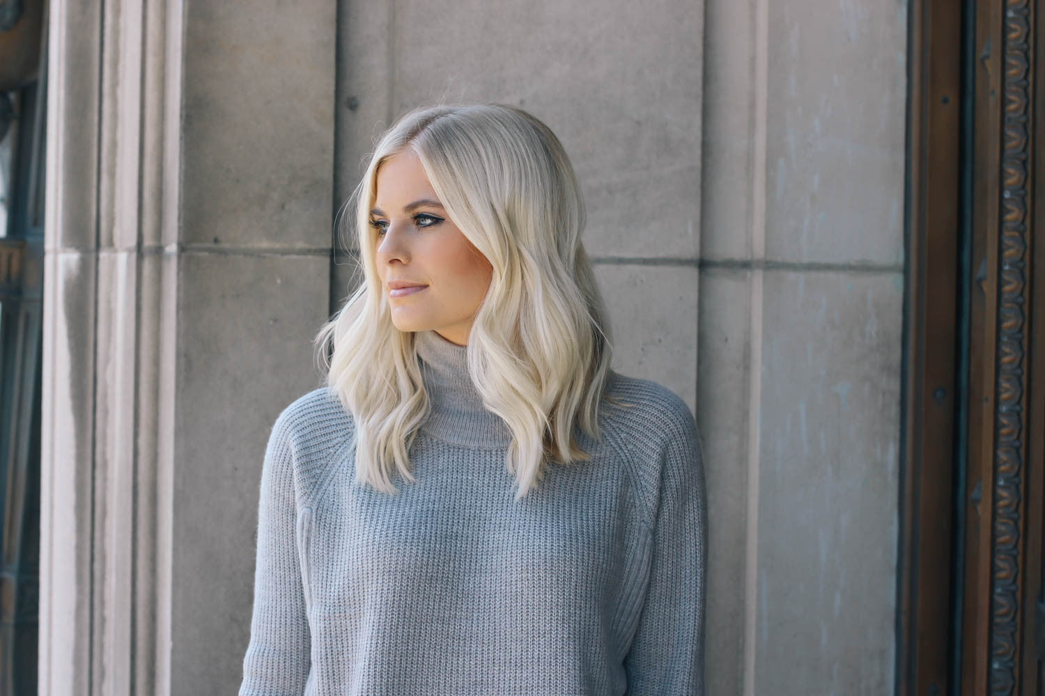 Lemon Blonde - Cozy Turtleneck