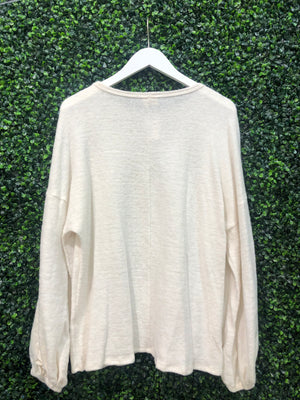 L/S TOP RUFFLE SLEEVE TOP
