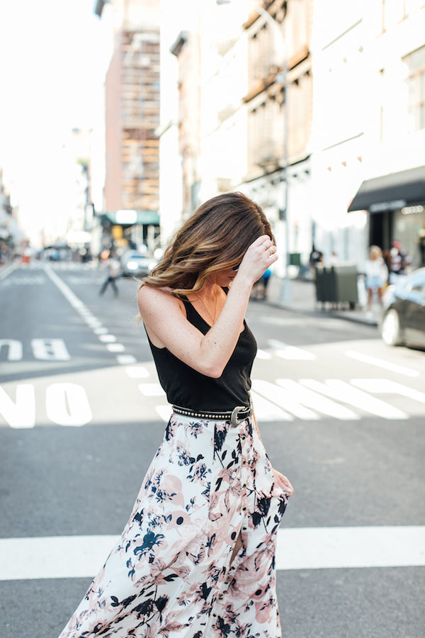 floral maxi skirt outfit