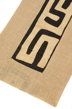 Assorted Designs: Natural Hessian & Congo Raffia Table Runner