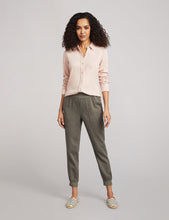 Load image into Gallery viewer, Faherty Arlie Day Pant in Surplus Green