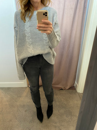 Crew Neck Cable Knit Sweater in Grey
