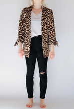 Load image into Gallery viewer, Leopard Everyday Jacket