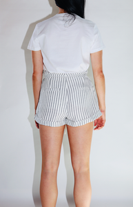 Comfy Linen Tie Shorts in Off White