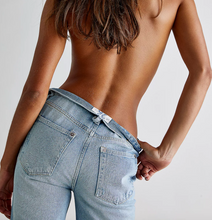 Load image into Gallery viewer, Free People Lasso Jean in Foxtrot Light Wash