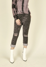 Load image into Gallery viewer, Vintage Havana Deep Mauve Snake Skin Cargo Pant