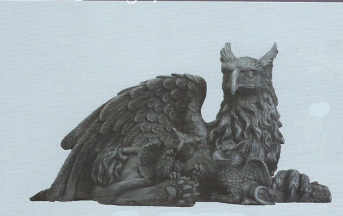 Griffin with Babies statue   4 1/4