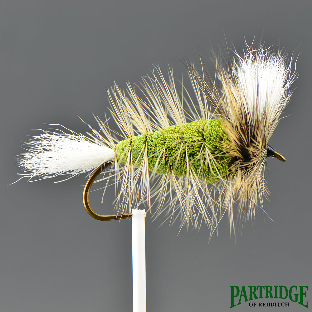 Wulff Vert Olive – Queue Blanche – Hackle Badger Doré
