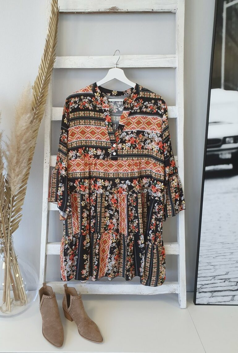 Romantic Vacation Style V-Neck Loose Printed Dress 3