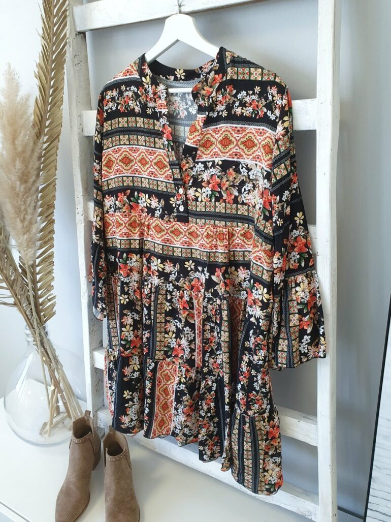 Romantic Vacation Style V-Neck Loose Printed Dress 4